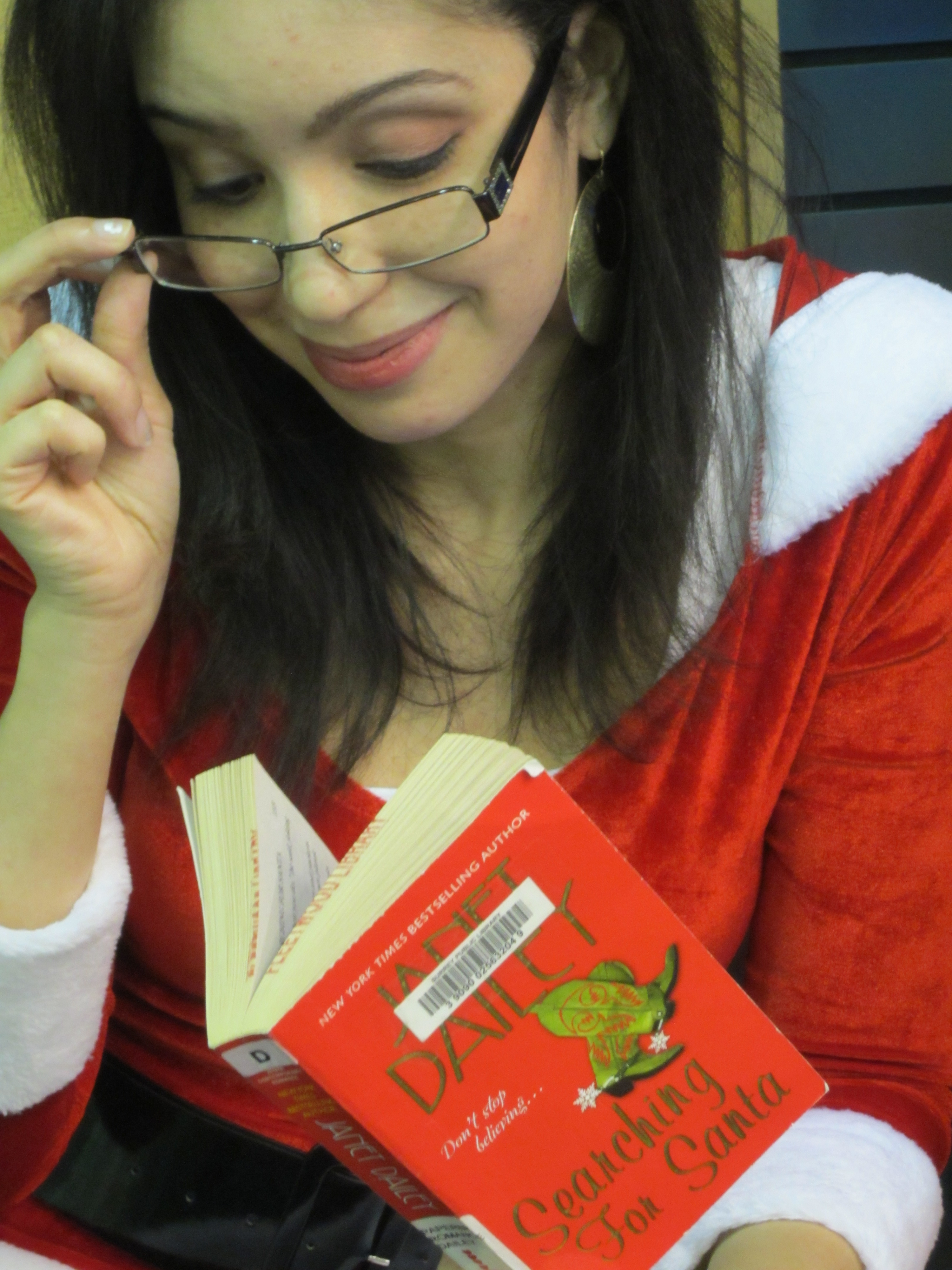 Michelle is enjoying Searching for Santa by Janet Dailey. - michelle_image1